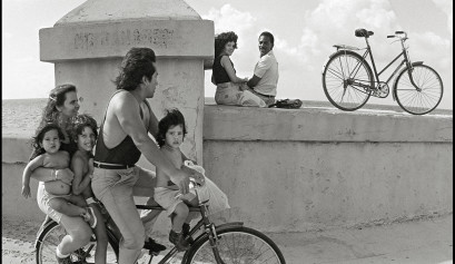Malecón de La Habana. El gran sofá. Juan Manuel Diaz Burgos.