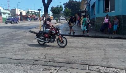 Motorista de Santiago de Cuba / Foto: Abraham Jiménez