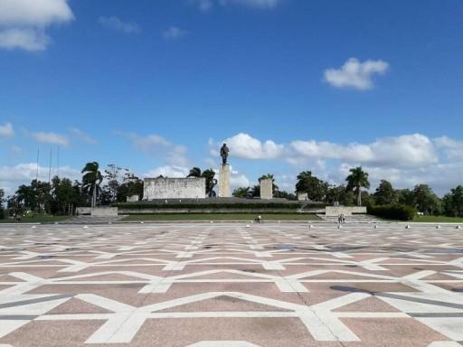 """El barrio de """"El Hueco"""" queda a solo unos metros de la Plaza de la Revolución en Santa Clara/Foto: Cortesía del autor"""