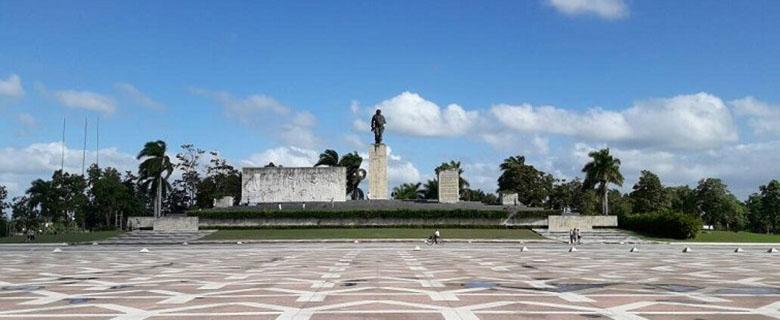"""El barrio de """"El Hueco"""" queda a solo unos metros de la Plaza de la Revolución en Santa Clara / Foto: Abraham Jiménez"""
