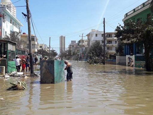 Inundaciones en el Vedado / Foto: Abraham Jiménez.