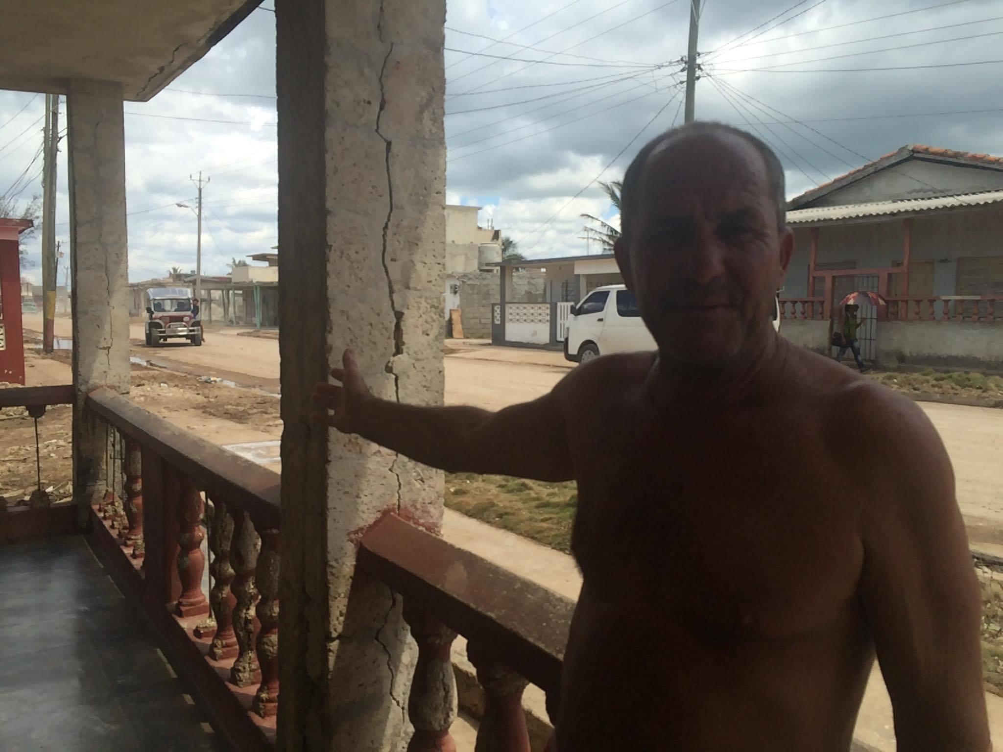 Raúl, habitante de Playa Baracoa, al oeste de La Habana