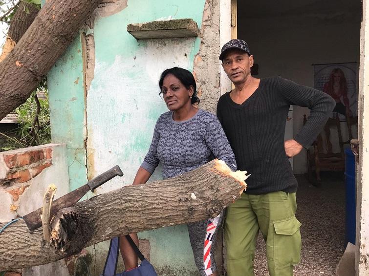 Amparo Gregori y su esposo / Foto: Mónica Baró