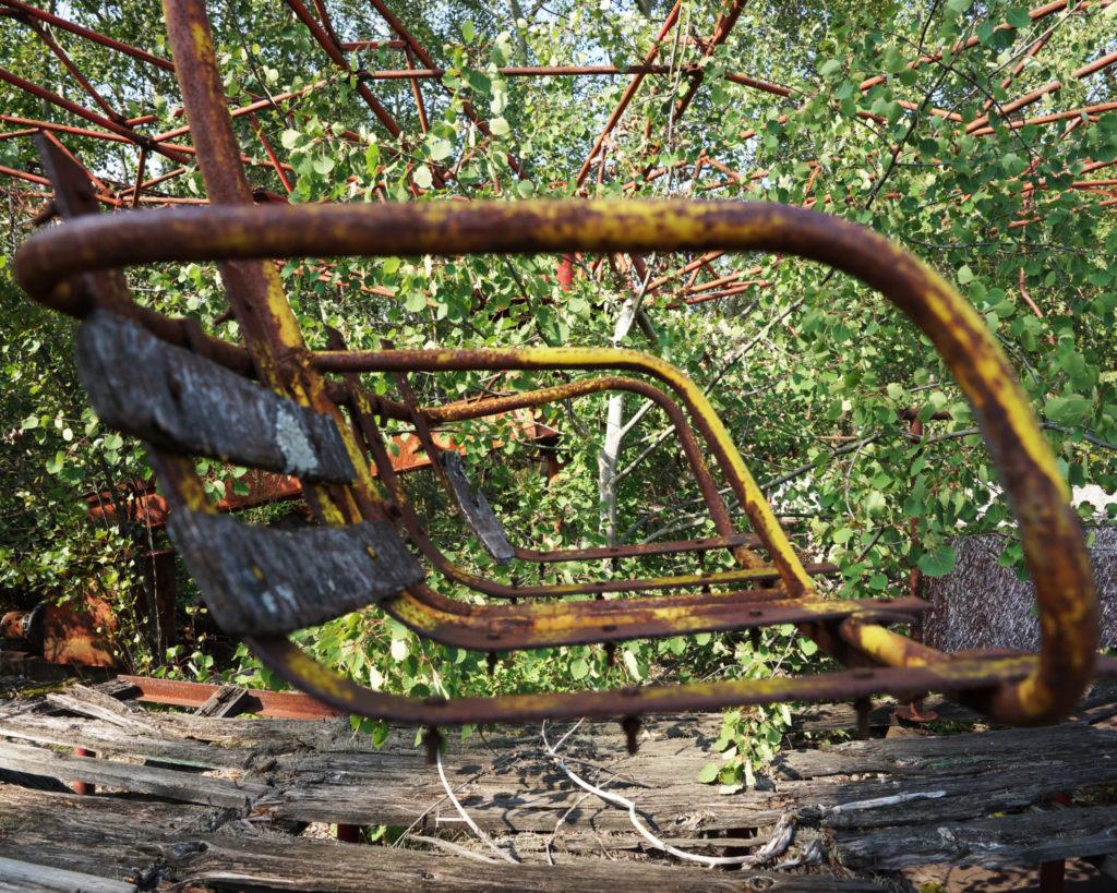 Restos oxidados de un parque de diversiones en Prípiat