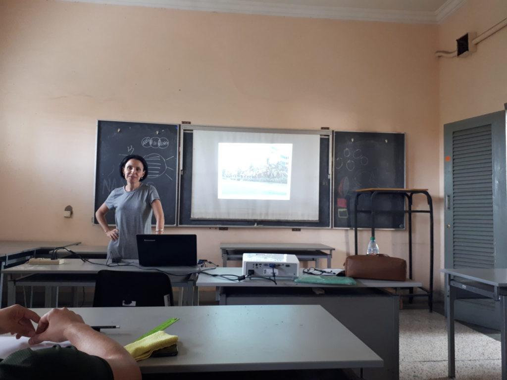 Omara Ruiz Urquiola en el aula/ Foto: Cortesía de la entrevistada.