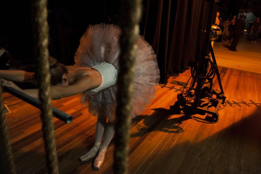 Yailin Alfaro Guillén. Ballet Nacional de Cuba. Cuerdas (Lago de los cisnes).