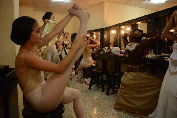 Yailín Alfaro Guilén. Ballet Nacional de Cuba. Camerino.