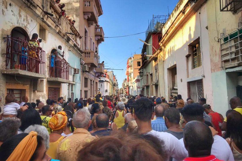Procesión por Día de la Virgen de la Caridad del Cobre. La Habana, 8 de septiembre. Foto: Mónica Baró.