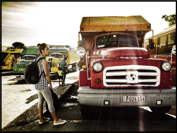 Camión de alquiler en Cuba