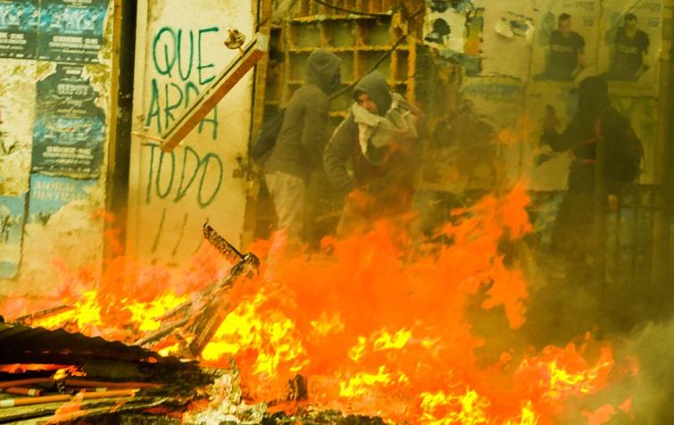 Ruber Osoria. Manifestaciones en Chile. Concepción, octubre 2019. Portada.