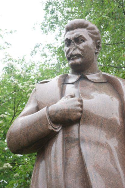 Los monumentos caídos (Moscú, Rusia). The Red Stone. Alejandro Taquechel.