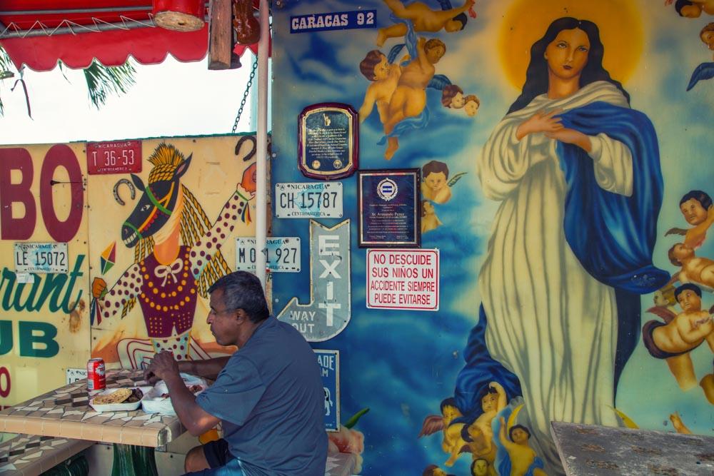 William Riera. Altares Urbanos en Miami.