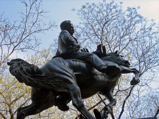 Escultura de José Martí en el Parque Central de Nueva York