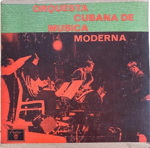 05.Carátula del disco epónimo de la Orquesta Cubana de Música Moderna. Circa 1967. Colección Cuba Material.