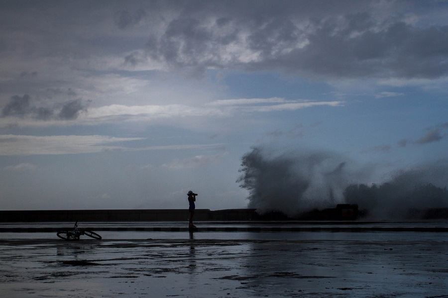 Fotografiando al día siguiente de Irma / Foto: Dahian Cifuentes