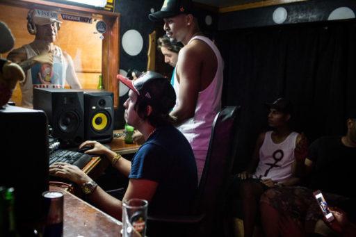 Yomil y El Dany. Sesión de grabación en Celula Music, DJ Unic. Noviembre de 2015 / Foto: Lisette Poole