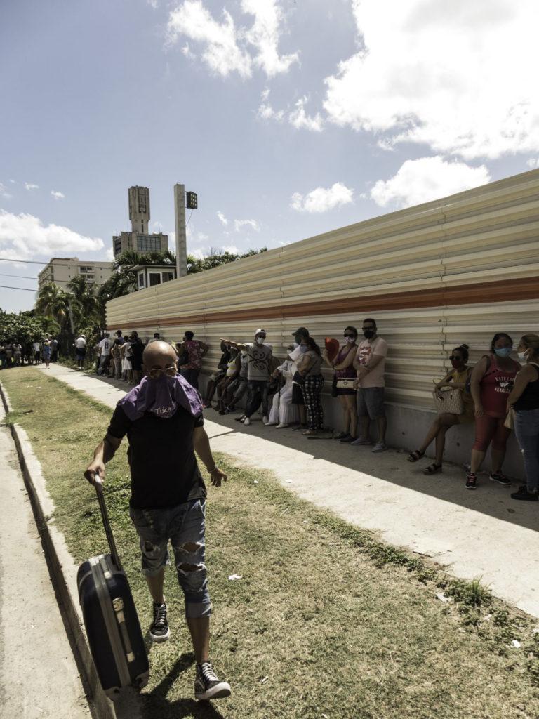 Cola en Cuba / Foto: El Estornudo