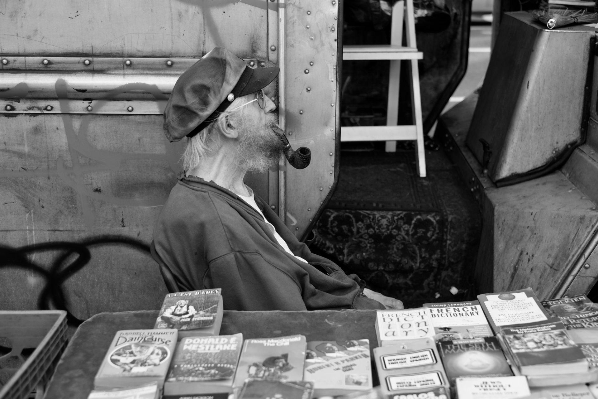 Ingeborg Portales. Entre soñadores y desconectados. The Bookseller.
