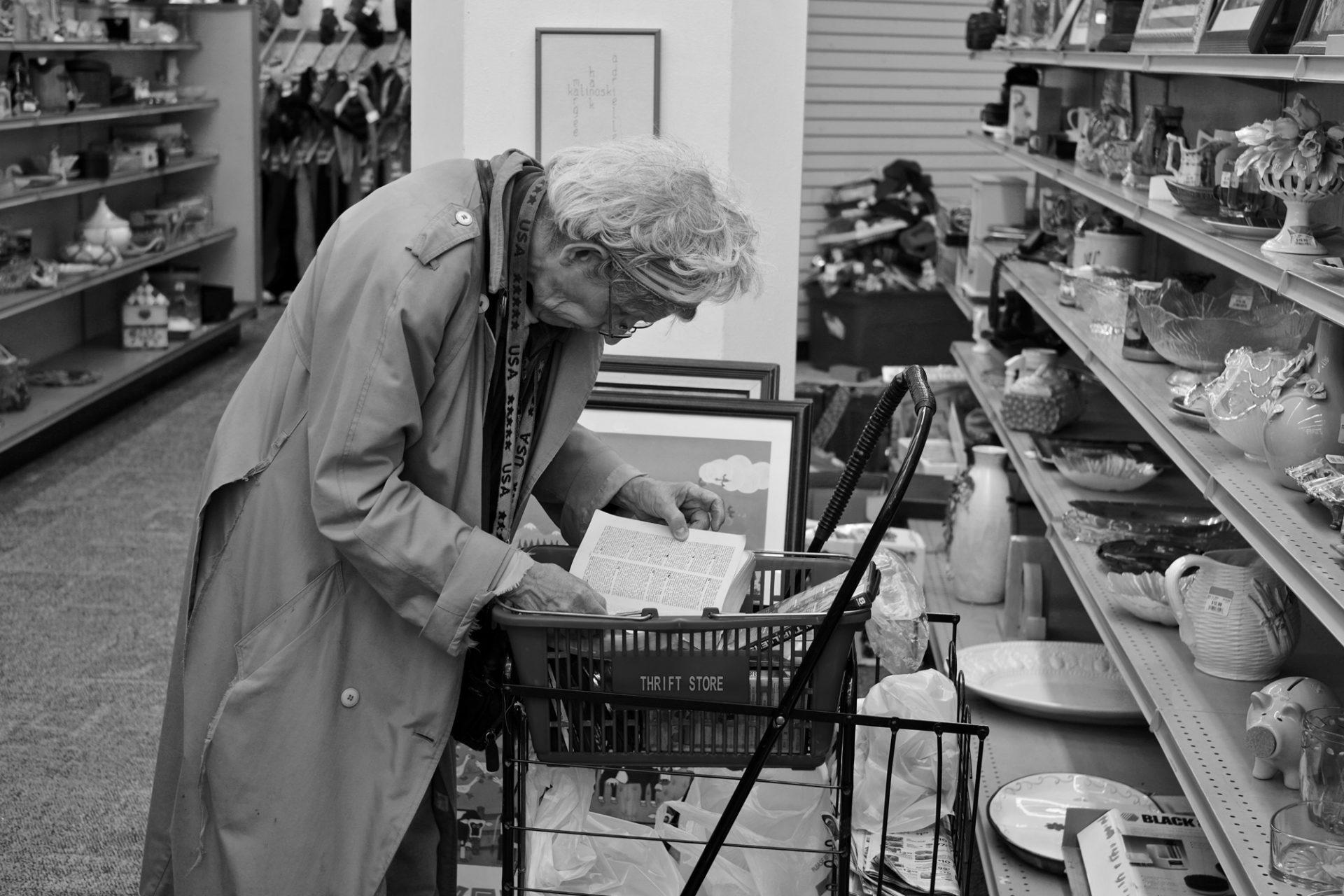 Ingeborg Portales. Entre soñadores y desconectados. Thrifting.