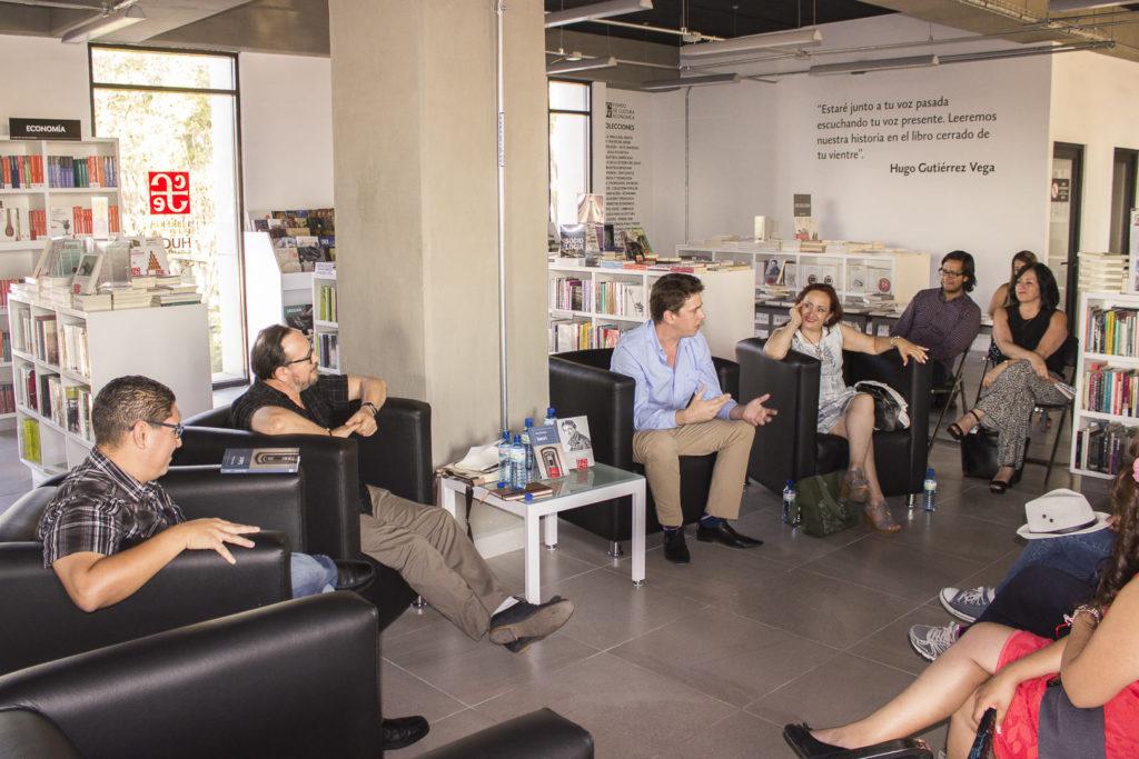 Presentación en la Librería del Fondo de Cultura Económica en Querétaro, 2017 / Foto: Cortesía del entrevistado