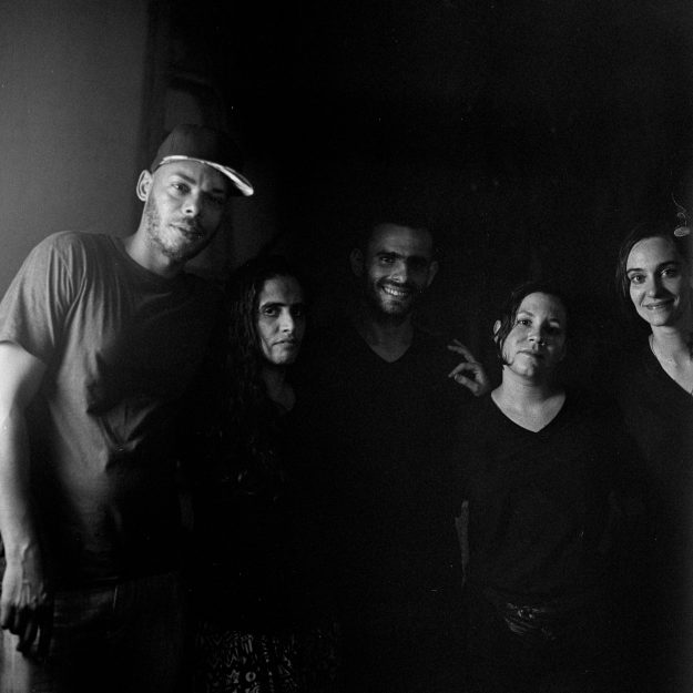 Anyelo Troya. De qué me van a hablar (El Funky, Anamely Ramos, Alfredo Martínez, Katherine Bisquet y Camila Lobón).