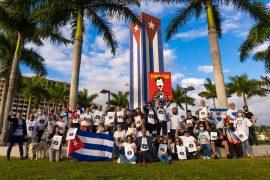Iniciativa «Una foto por la libertad». Cuban Memorial de la Universidad Internacional de La Florida (FIU), Miami, 20 de febrero de 2021/ Foto: #MSIMiami / #OmniKizzy Productions