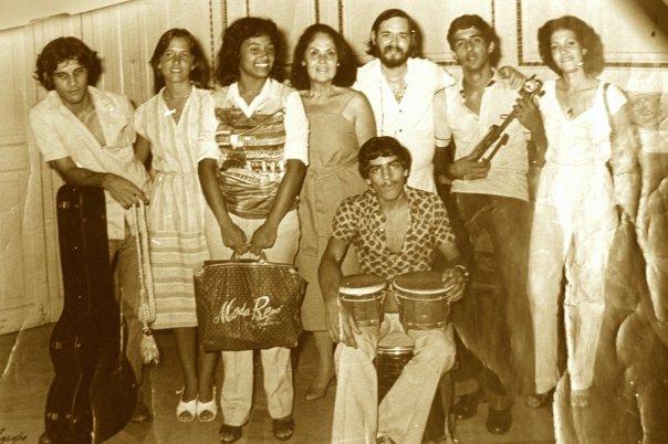 Eduardo Corzo, Beatriz Valdés, Oscar Autié, y el grupo de Leopoldina Núñez / Foto: Tomada de Facebook