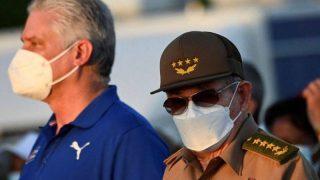 Miguel Díaz-Canel y Raúl Castro / Foto: AFP