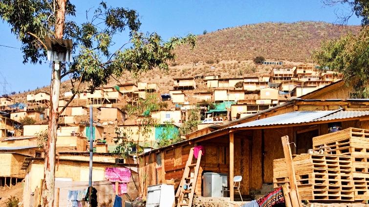 El Mirador, toma Bosque Hermoso, en Lampa, afueras De Santiago de Chile / Foto: Camilo Castellanos